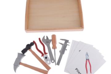 инструменты карточки и фигурки