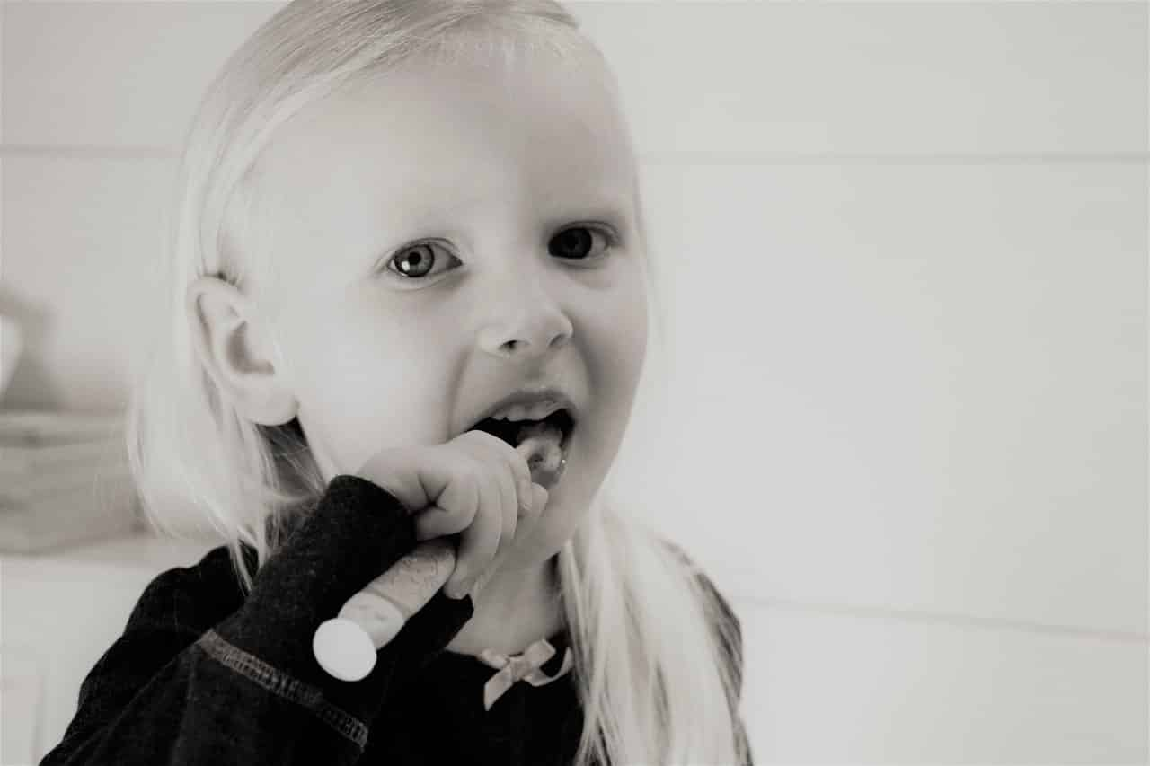 уход за детскими зубами